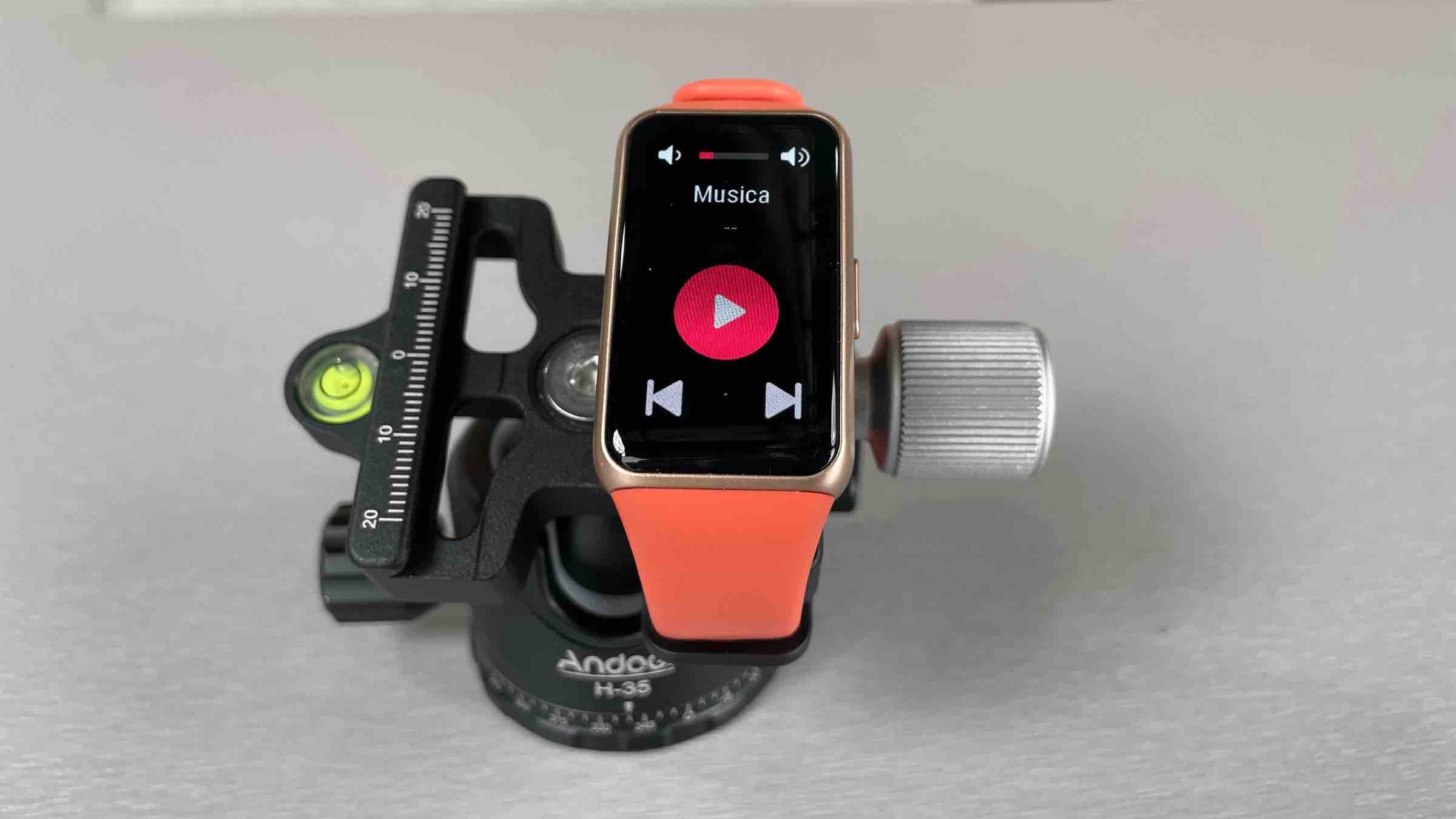Recensione Huawei Band 6