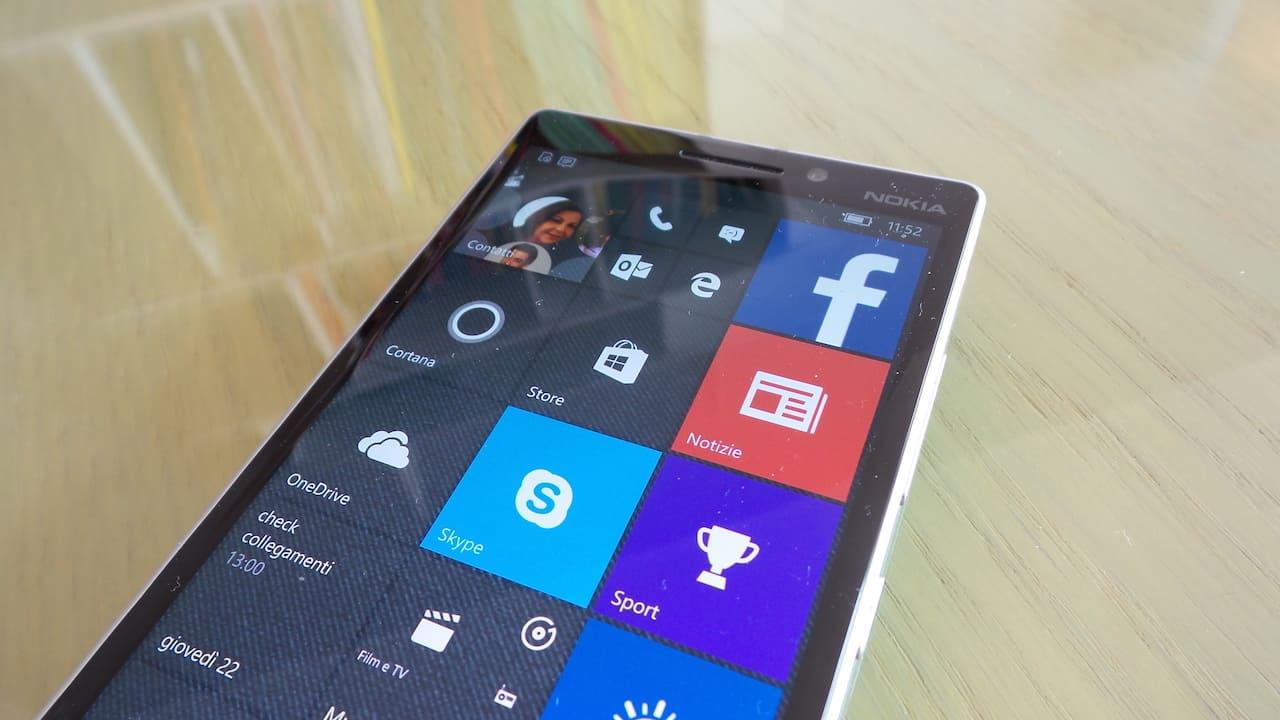 windows 10 mobile front