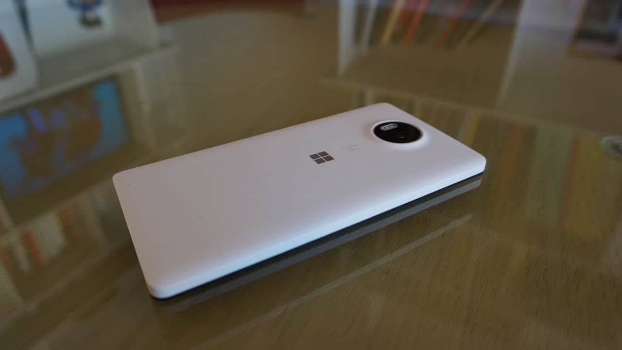 Microsoft Lumia 950XL - back cover