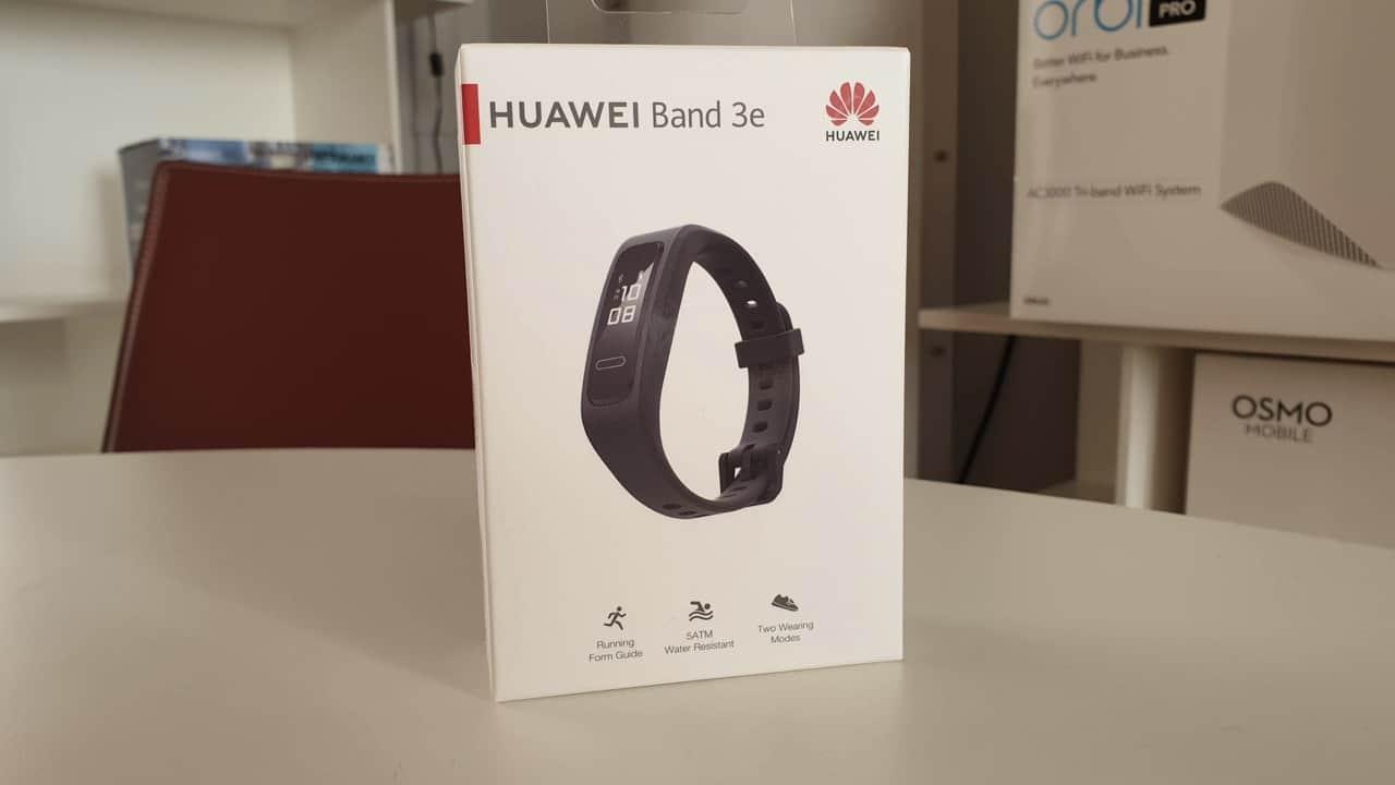 Recensione Huawei Band 3e, per riparare i danni delle feste