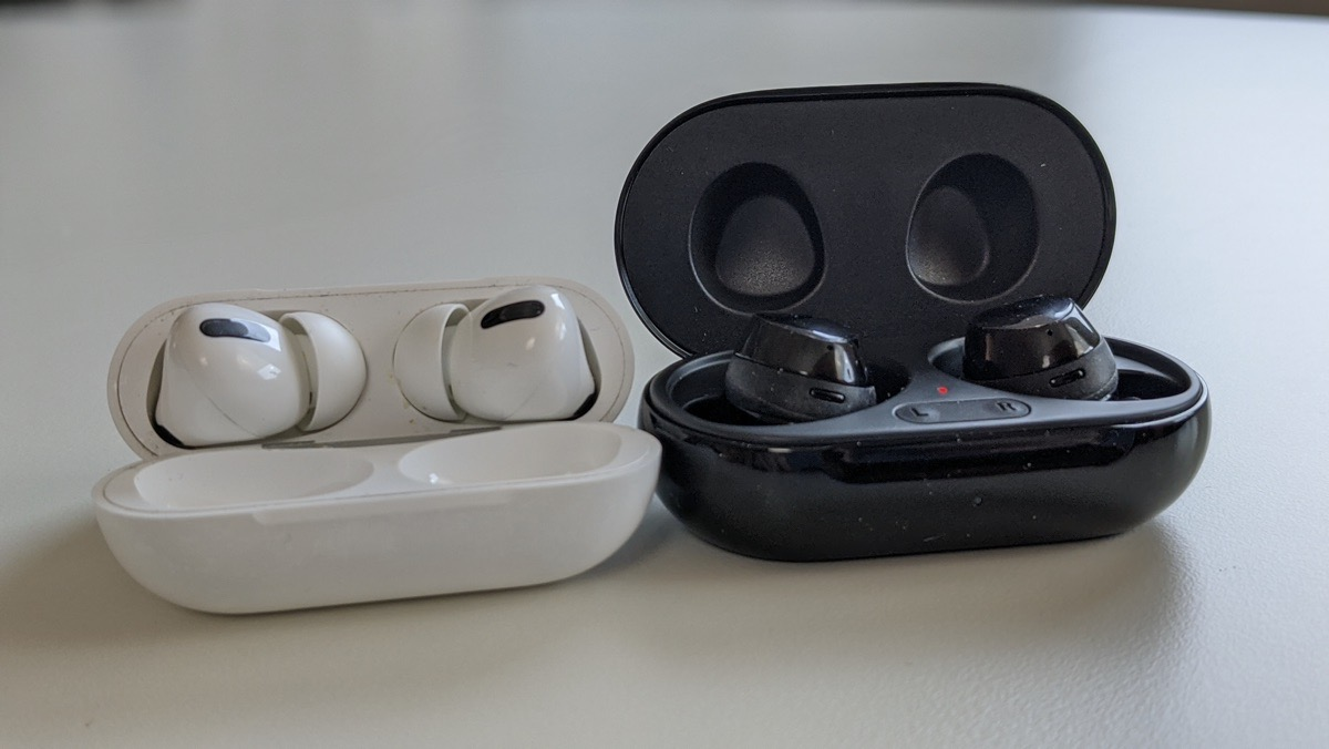 Galaxy Buds+ vs Apple AirPods Pro