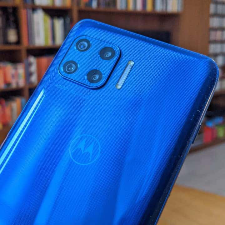 26.07 Motorola Moto G 5G Plus, completo e conveniente. Apple: settimana cruciale con l'antitrust americana